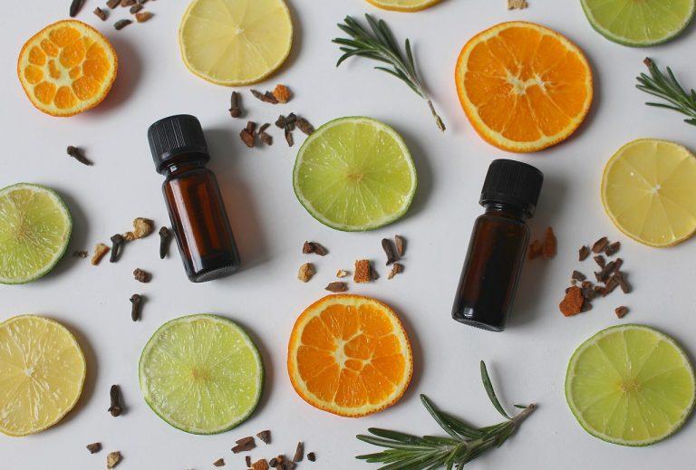 Les 5 huiles essentielles pour votre logement